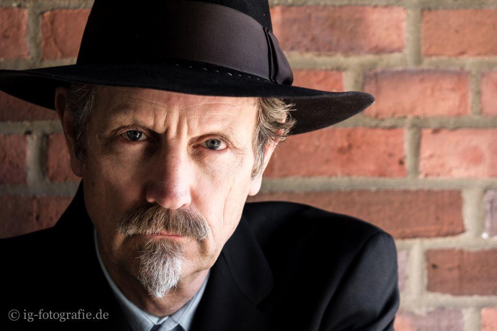 Portrait of Steve Thornton